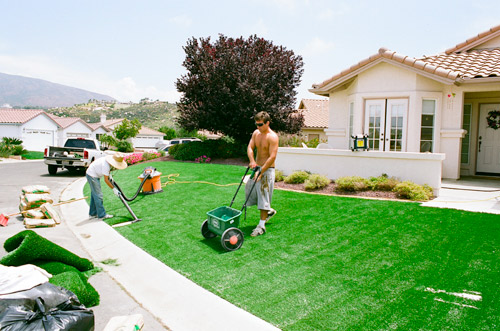 cleaning fake turf and artifical grass