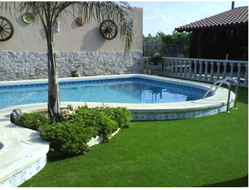 Fake Grass around pool